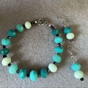 Shades of turquoise glass beaded bracelet/earrings